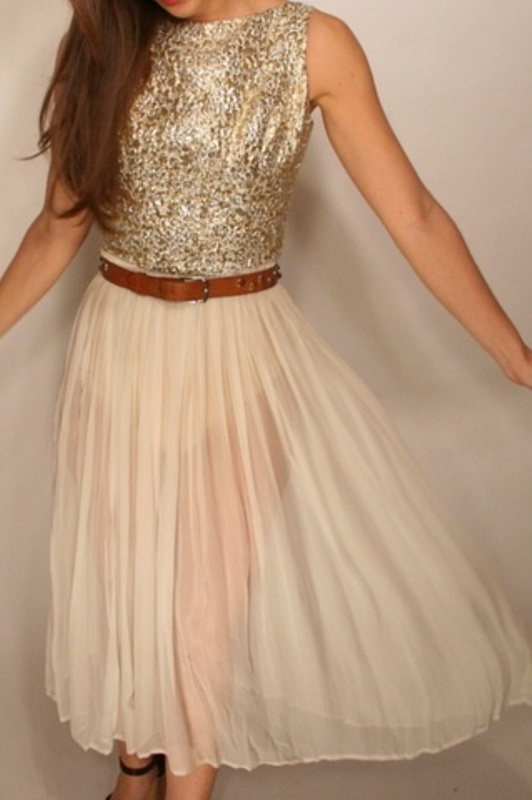 Picture Of hot and fashionable dresses for christmas party to get inspired  11