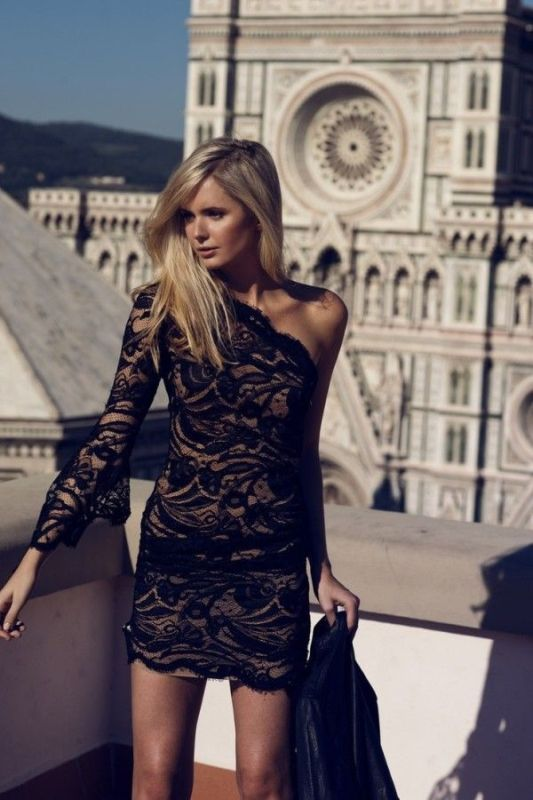 Picture Of hot and fashionable dresses for christmas party to get inspired  2