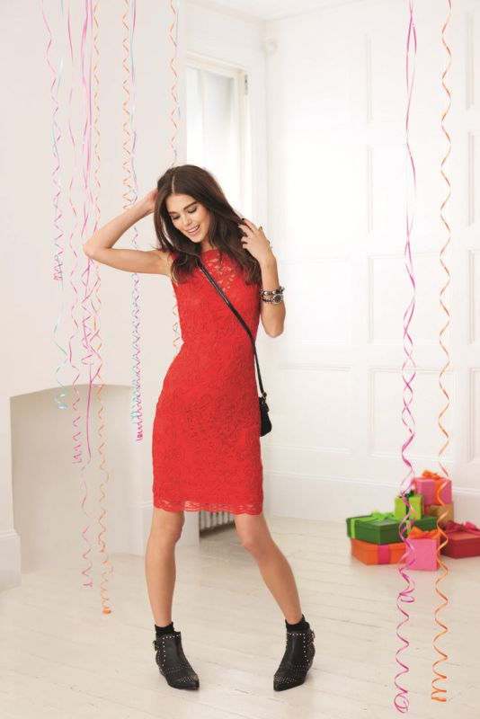 Picture Of hot and fashionable dresses for christmas party to get inspired  3