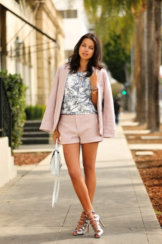 Picture Of inspiring ways to wear pastel colors this spring  10