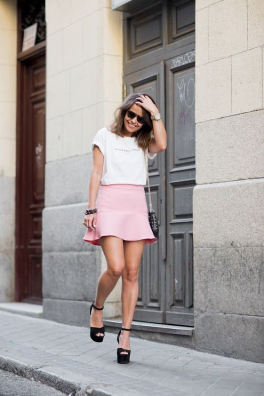 Picture Of trendy soft pink summer looks to recreate  1