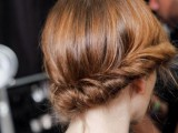 23-work-hairstyles-that-are-office-appropriate-yet-not-boring-5