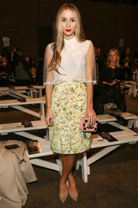 Picture Of amazing floral outfits to welcome the spring  13