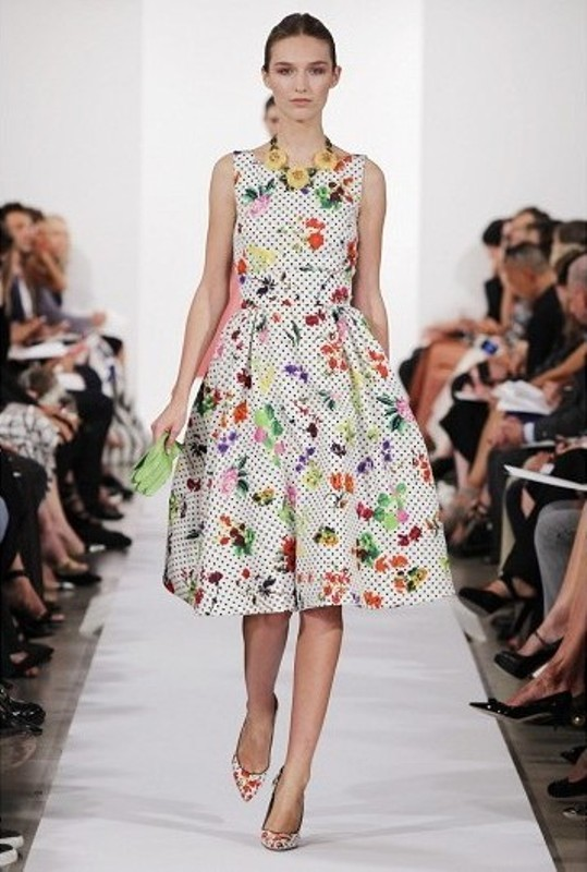 Picture Of amazing floral outfits to welcome the spring  16