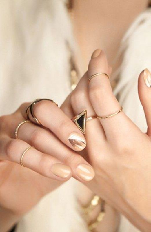 Picture Of cool nude nails that are nowhere near boring  12