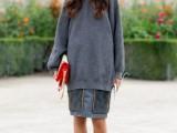 25-stylish-ways-to-wear-cozy-chunky-knit-sweater-right-now-16