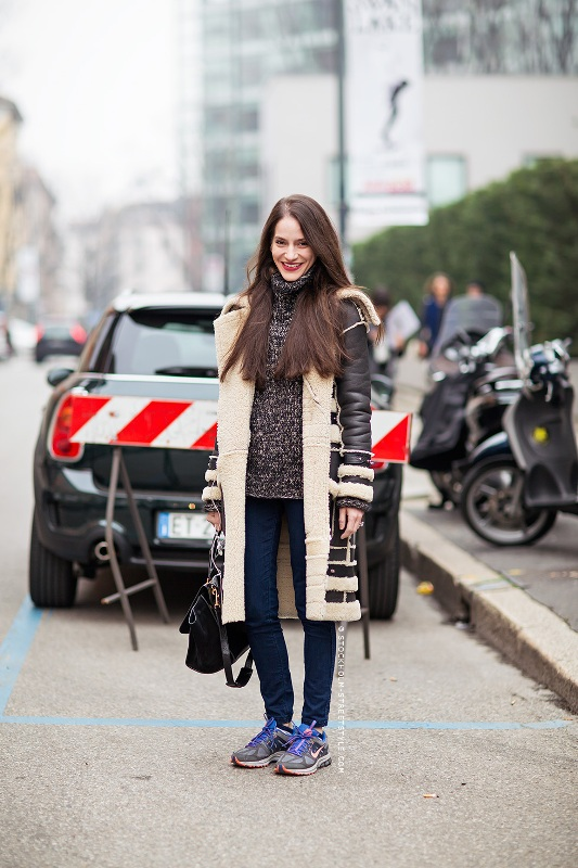 Picture Of stylish ways to wear cozy chunky knit sweater right now  21