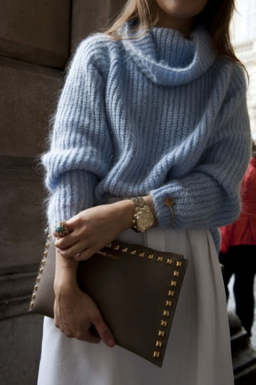 Cute Ways To Wear A Scarf With A Sweater 33