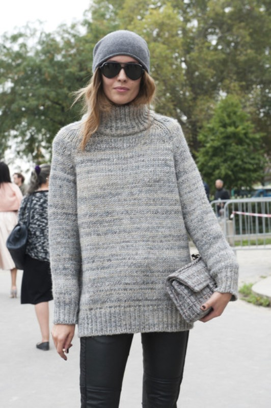 Picture Of stylish ways to wear cozy chunky knit sweater right now  5