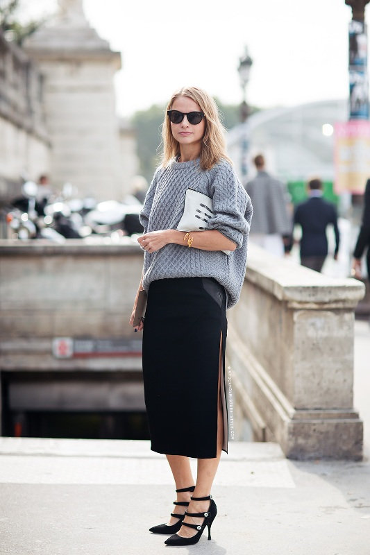 Picture Of stylish ways to wear cozy chunky knit sweater right now  8