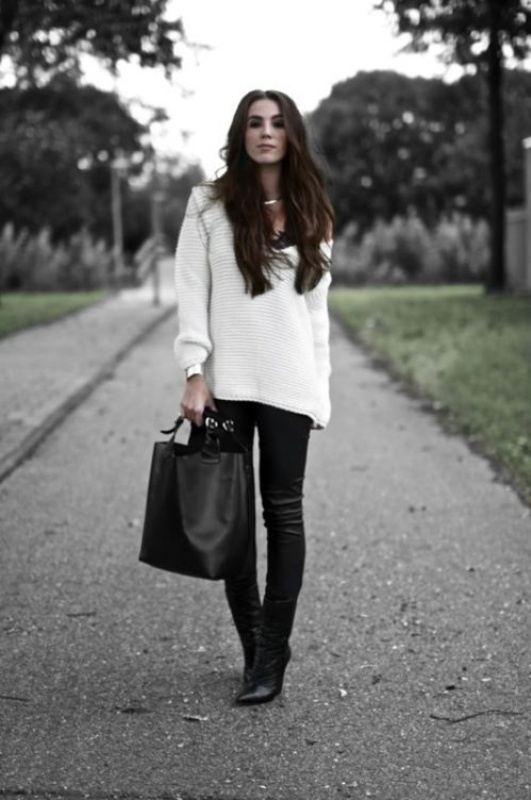 Picture Of stylish ways to wear cozy chunky knit sweater right now  9
