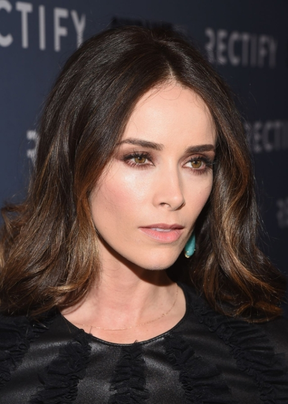 Picture Of the most stunning smokey eye ideas from celebrities  23