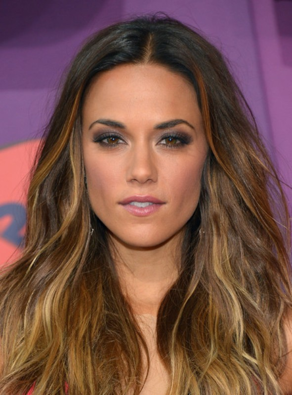 Picture Of the most stunning smokey eye ideas from celebrities  4