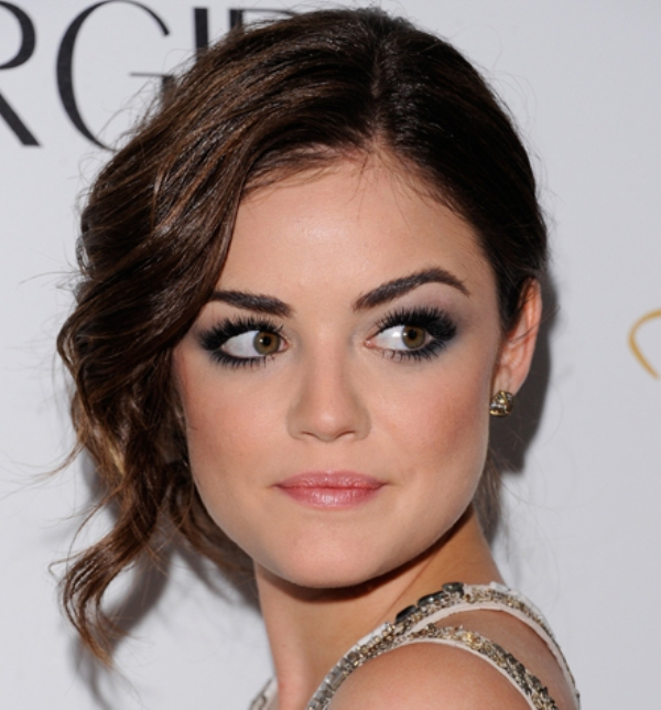 Picture Of the most stunning smokey eye ideas from celebrities  7