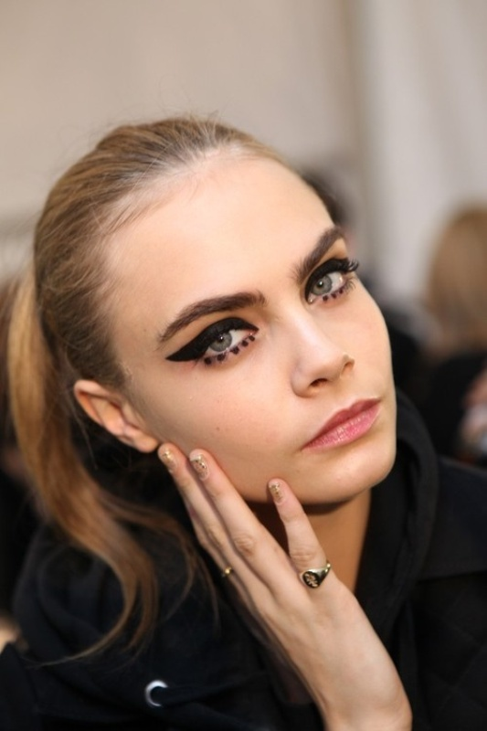 Picture Of gorgeous holiday makeup ideas to try  14