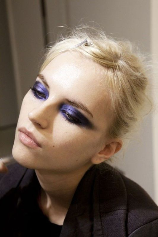 Picture Of gorgeous holiday makeup ideas to try  17