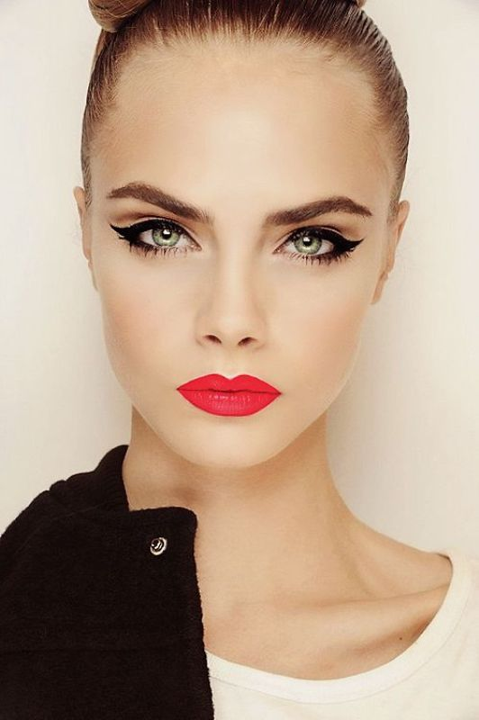 Picture Of gorgeous holiday makeup ideas to try  21
