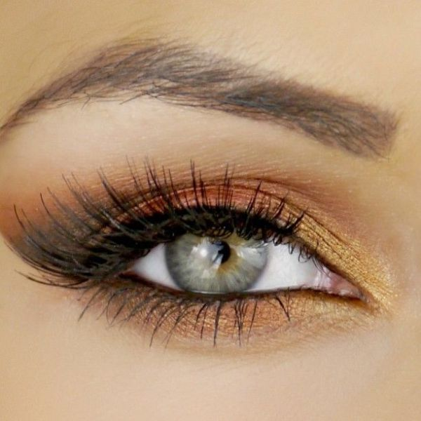 Picture Of gorgeous holiday makeup ideas to try  22