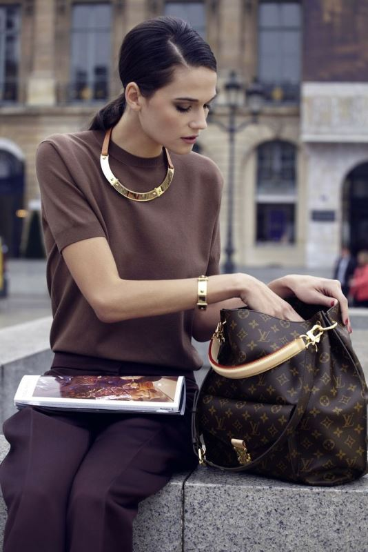 Picture Of not boring chic and ladylike classic work attire  27
