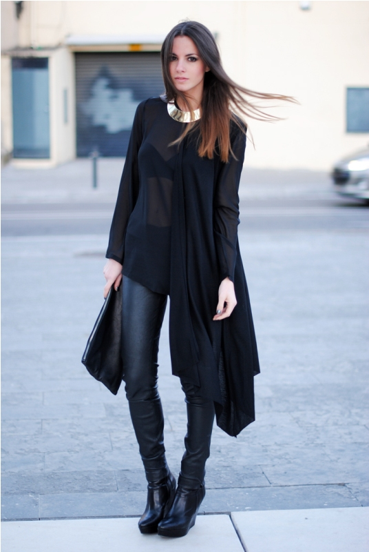 Picture Of trendy total black looks to get inspired  15