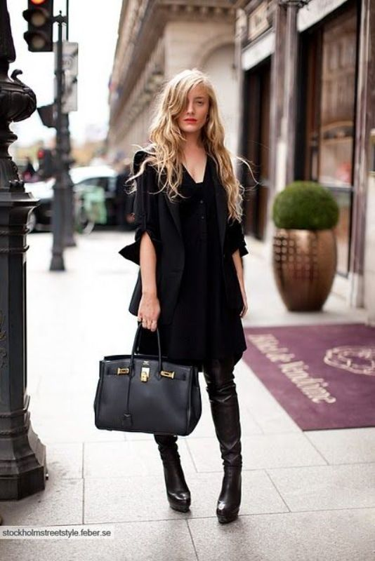 Picture Of trendy total black looks to get inspired  2