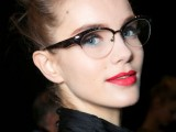 3-smart-tricks-and-17-stylish-makeup-ideas-for-glasses-wearers-1