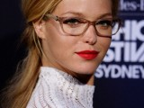 3-smart-tricks-and-17-stylish-makeup-ideas-for-glasses-wearers-13
