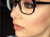 3-smart-tricks-and-17-stylish-makeup-ideas-for-glasses-wearers-16
