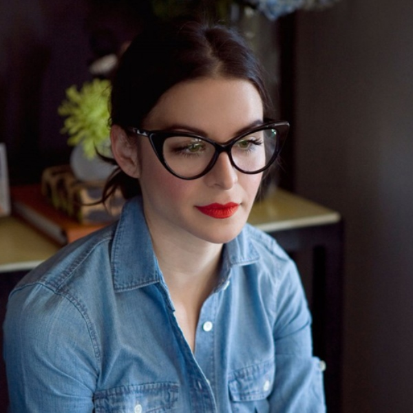 Picture Of 3 smart tricks and 17 stylish makeup ideas for glasses wearers  4