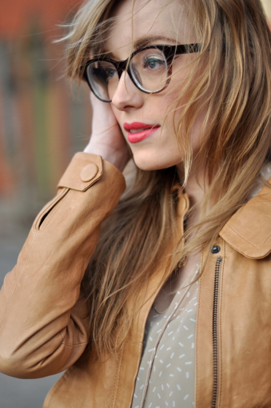 Picture Of 3 smart tricks and 17 stylish makeup ideas for glasses wearers  5