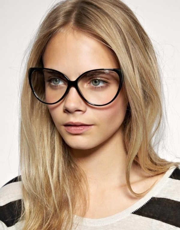 Picture Of 3 smart tricks and 17 stylish makeup ideas for glasses wearers  8