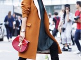 3-tips-and-17-cool-examples-on-how-to-style-a-statement-bag-for-fall-15