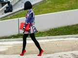 3-tips-and-17-cool-examples-on-how-to-style-a-statement-bag-for-fall-17