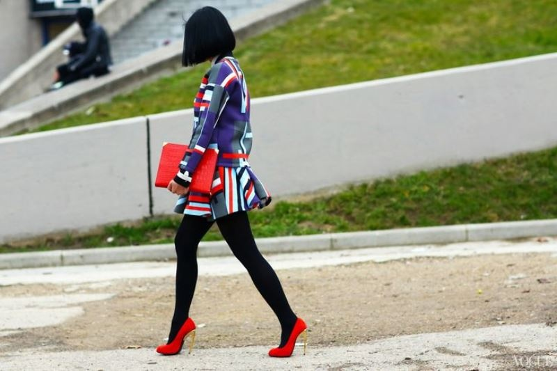 Picture Of 3 tips and 17 cool examples on how to style a statement bag for fall  17