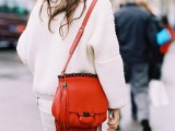 3-tips-and-17-cool-examples-on-how-to-style-a-statement-bag-for-fall-2