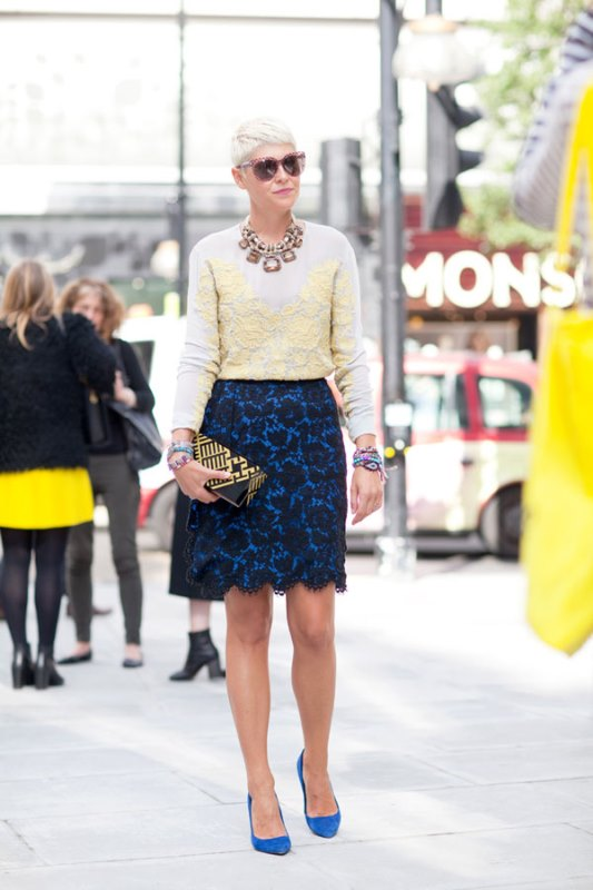 Picture Of 3 tips and 17 cool examples on how to style a statement bag for fall  8
