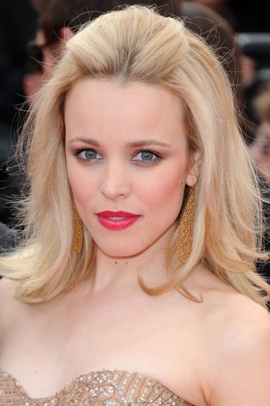 Picture Of chic and pretty christmas hairstyles ideas  29