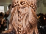 31-chic-and-pretty-christmas-hairstyles-ideas-3