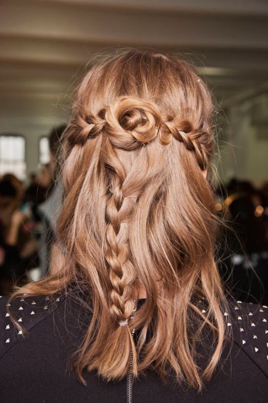 Picture Of chic and pretty christmas hairstyles ideas  3