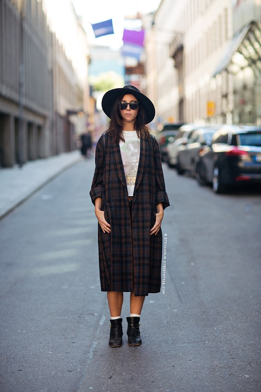 Picture Of stylish ways to wear plaid  12