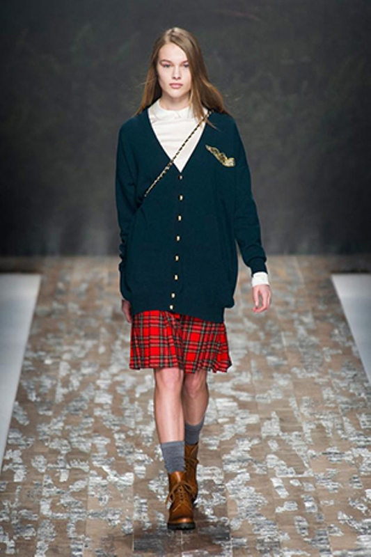 Picture Of stylish ways to wear plaid  16