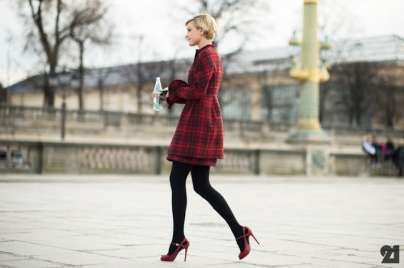 Picture Of stylish ways to wear plaid  4