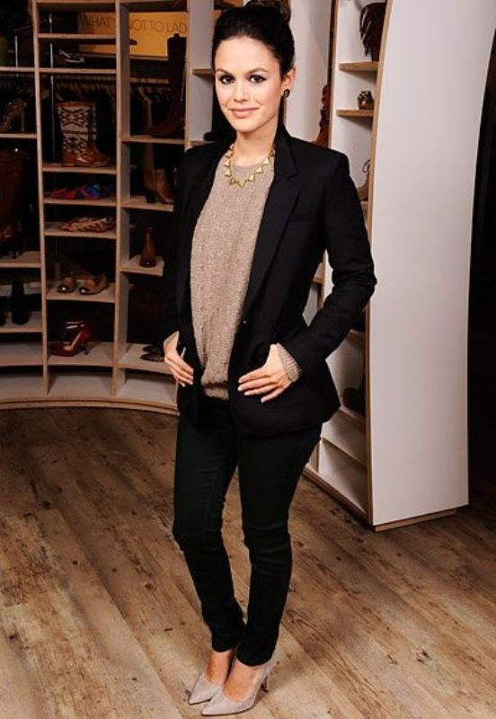 Picture Of fashionable work outfits for women to score a raise  23