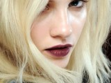 5-clever-tips-on-wearing-a-dark-lipstick-just-right-2