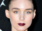5-clever-tips-on-wearing-a-dark-lipstick-just-right-7
