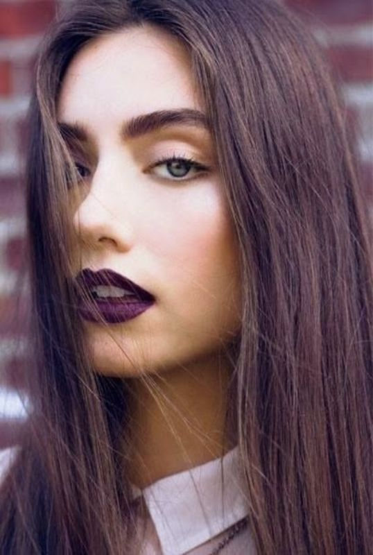 Picture Of 5 clever tips on wearing a dark lipstick just right  8