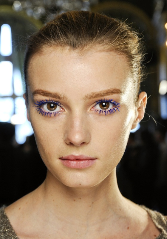 Picture Of 5 rules to wear colored mascara right now  1