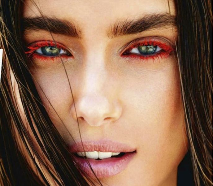 Picture Of 5 rules to wear colored mascara right now  2