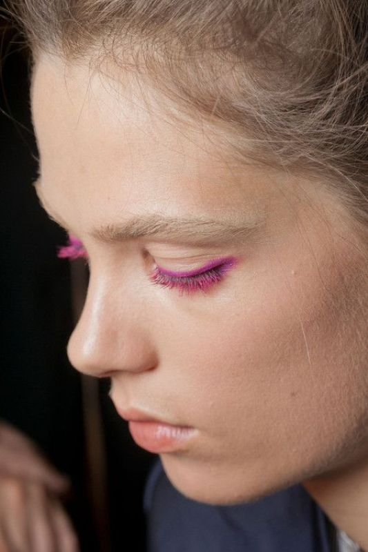 Picture Of 5 rules to wear colored mascara right now  5