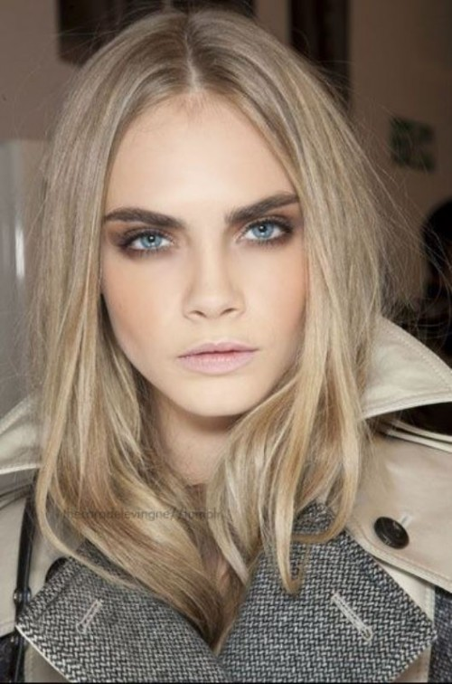 How To Grow Back Your Eyebrows: 5 Tips And 10 Examples